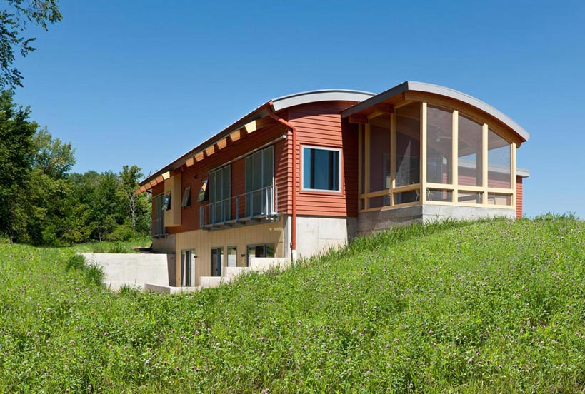 A Closer Look at Passive Solar Housing – Connecting Blogs to News